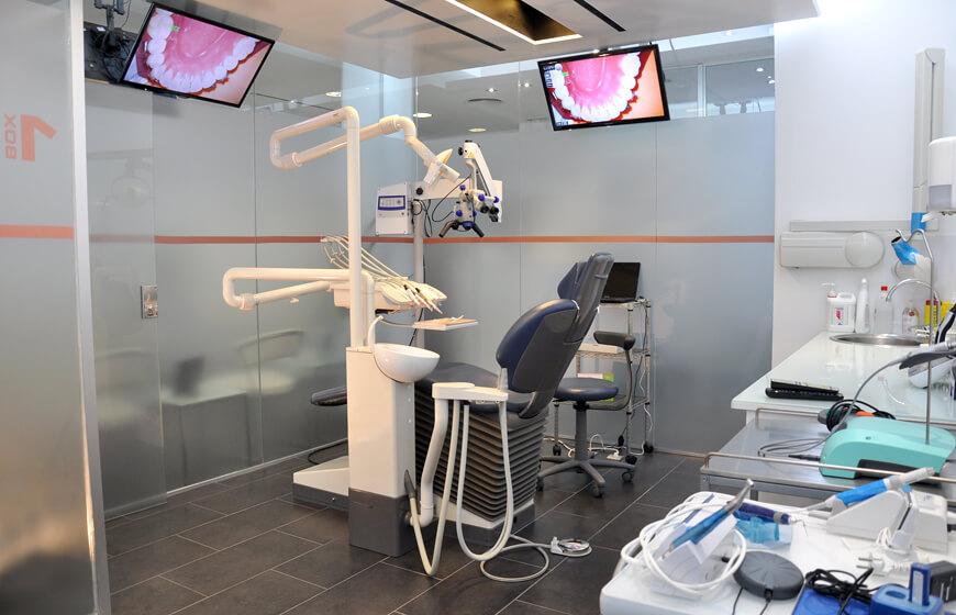 Box 2 clínica dental Ideo en Marqués de la Cenia