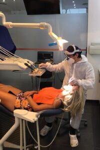 Caso clínico de periodoncia en Clínica Dental Ideo - Tratamiento con láser dental
